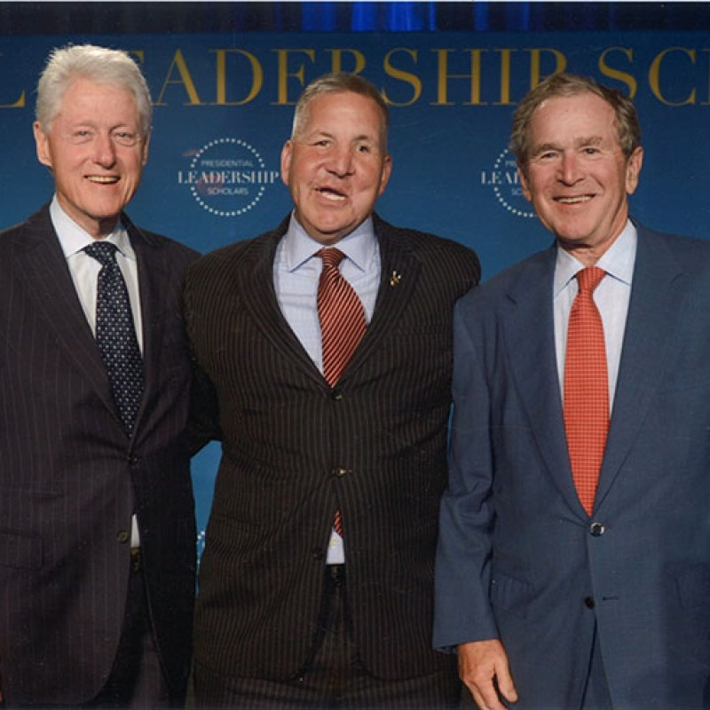 photo-with-Presidents-Clinton-and-Bush